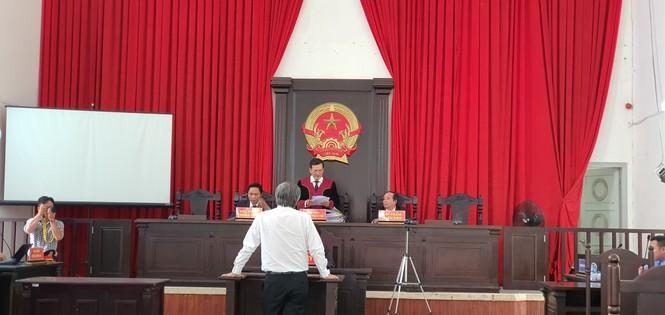 Cựu Giám đốc Sở Y tế tỉnh Long An bị tuyên phạt 3 năm tù - ảnh 1