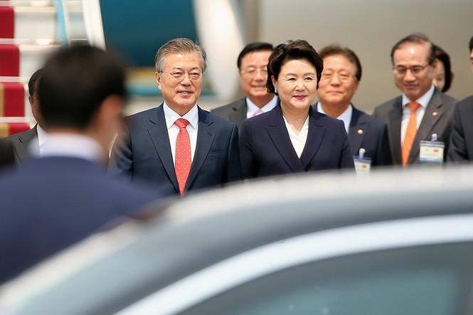 Tổng thống Hàn Quốc và Phu nhân bắt đầu thăm cấp Nhà nước Việt Nam - ảnh 2