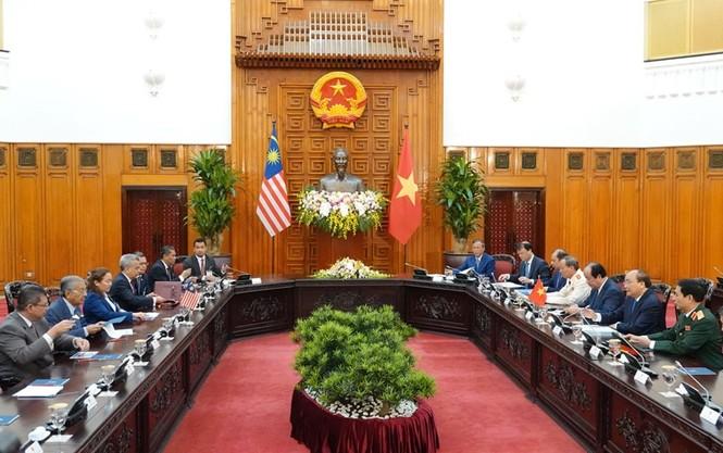 Thủ tướng Nguyễn Xuân Phúc đón, hội đàm với Thủ tướng Malaysia - ảnh 3