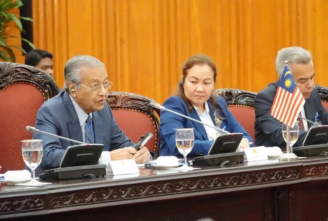 Thủ tướng Nguyễn Xuân Phúc đón, hội đàm với Thủ tướng Malaysia - ảnh 5