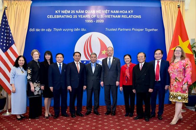 Thăm Việt Nam, Trợ lý Ngoại trưởng Mỹ khẳng định chủ trương về biển Đông - ảnh 1