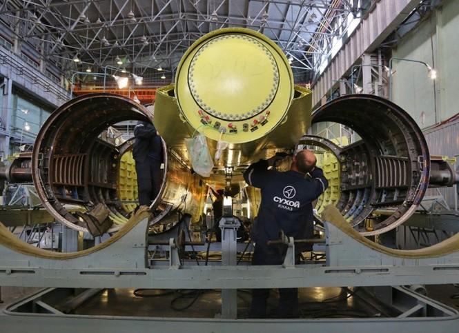 Khám phá nhà máy chế tạo siêu tiêm kích Su-35 - ảnh 6