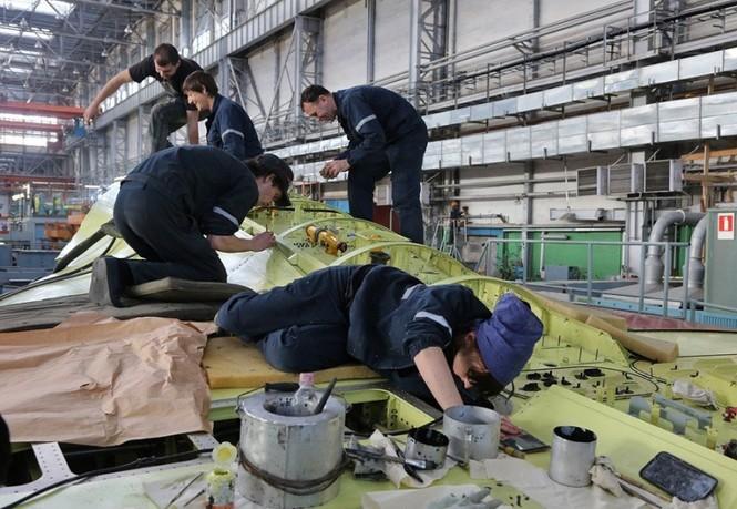 Khám phá nhà máy chế tạo siêu tiêm kích Su-35 - ảnh 9