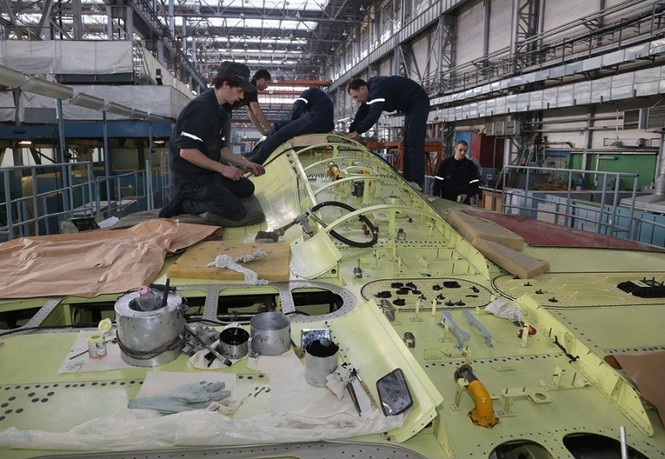 Khám phá nhà máy chế tạo siêu tiêm kích Su-35 - ảnh 8