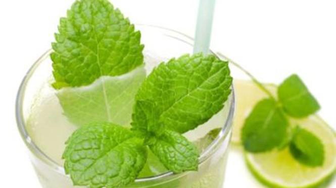 Những đồ uống giúp vòng eo thon gọn trong nắng hè - ảnh 4
