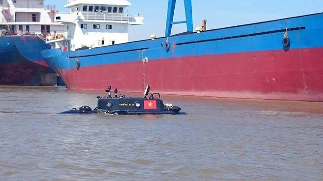 Tàu ngầm Trường Sa mini lần đầu thử nghiệm ở biển - ảnh 1
