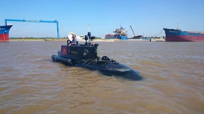 Tàu ngầm Trường Sa mini lần đầu thử nghiệm ở biển - ảnh 3