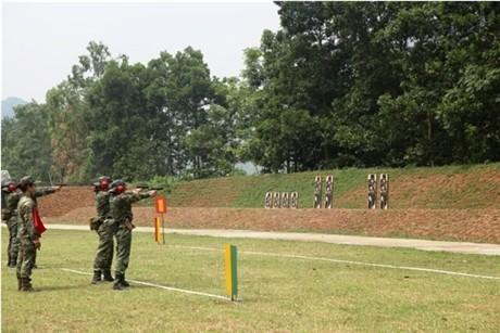 Các tay súng nữ quân đội Việt Nam trổ tài thiện xạ - ảnh 10