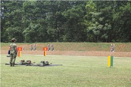 Các tay súng nữ quân đội Việt Nam trổ tài thiện xạ - ảnh 8