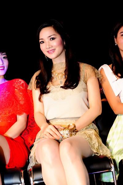 Hoa hậu Giáng My khoe vẻ đẹp không tuổi - ảnh 7