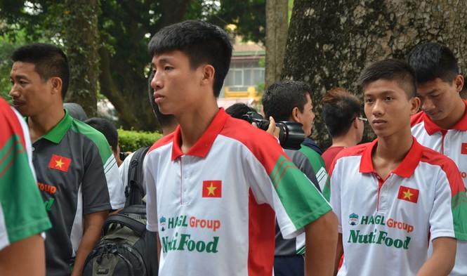 U19 Việt Nam tưởng nhớ Đại tướng Võ Nguyên Giáp - ảnh 4