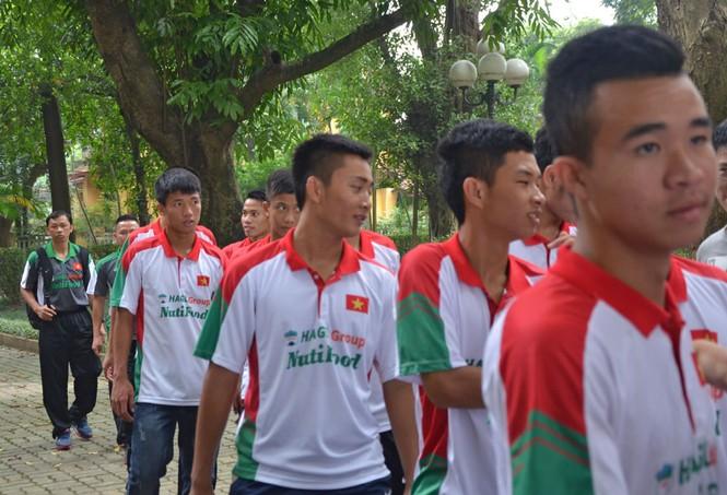 U19 Việt Nam tưởng nhớ Đại tướng Võ Nguyên Giáp - ảnh 9