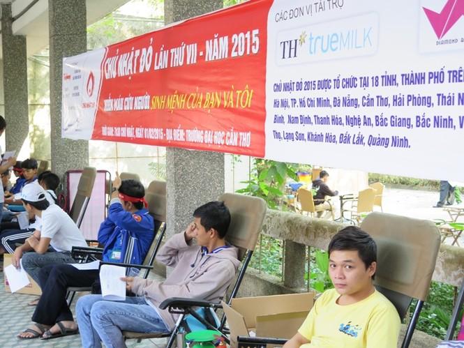 ĐH Cần Thơ ngân hàng máu sống cho người bệnh - ảnh 1