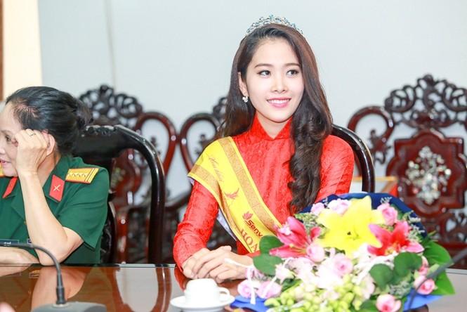 Trường  VHNT Quân đội tặng bằng khen cho Hoa khôi Nam Em - ảnh 6