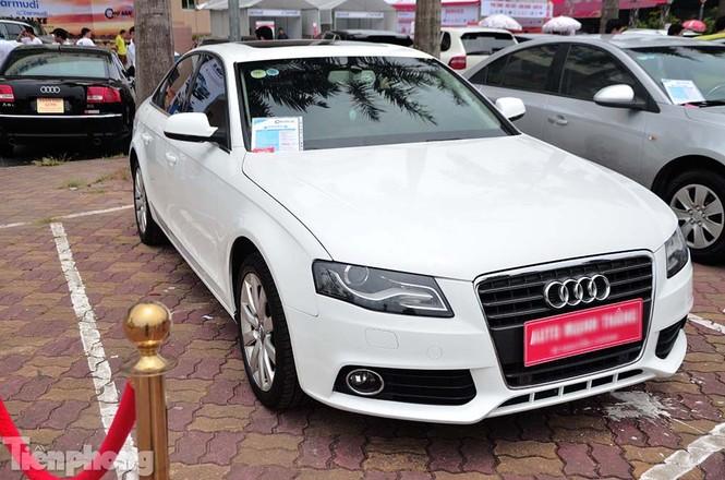 Chợ trời ô tô ở Thủ đô, mua xế tiền tỷ như chọn rau - ảnh 4