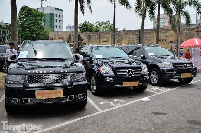 Chợ trời ô tô ở Thủ đô, mua xế tiền tỷ như chọn rau - ảnh 10