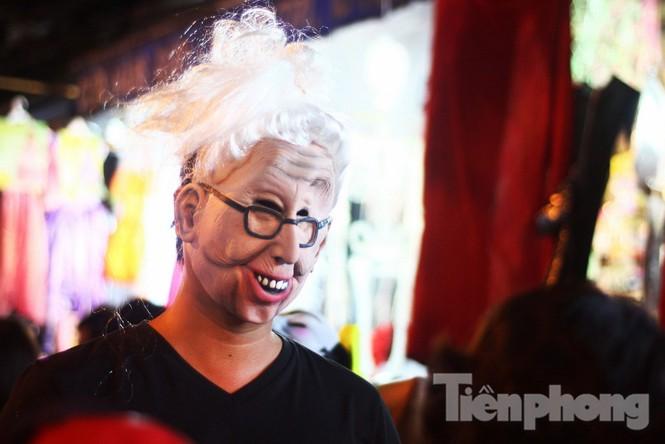 Ngàn 'Ác quỷ', 'tiên nữ' đổ bộ Hàng Mã đêm Halloween - ảnh 7