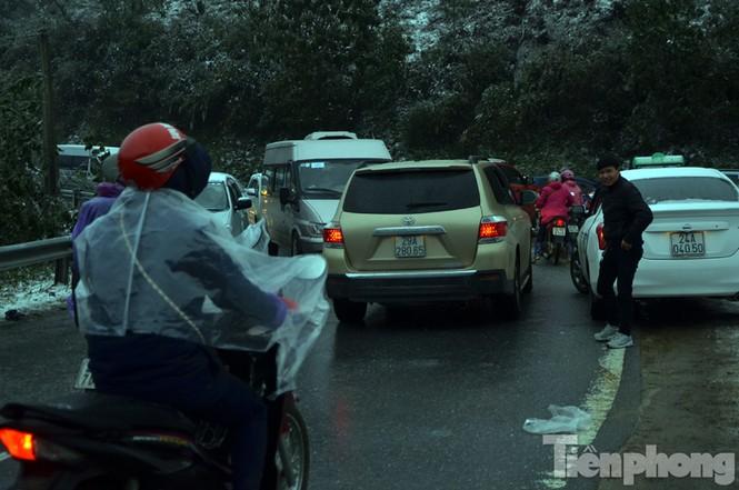 Sapa: Đường đóng băng, giao thông tê liệt - ảnh 9