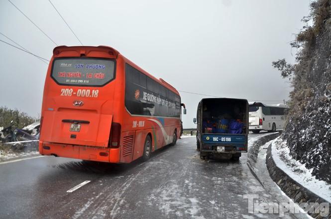 Sapa: Đường đóng băng, giao thông tê liệt - ảnh 6