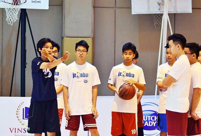 Hơn 4.500 trẻ tham gia chương trình bóng rổ phát triển tài năng trẻ - ảnh 2