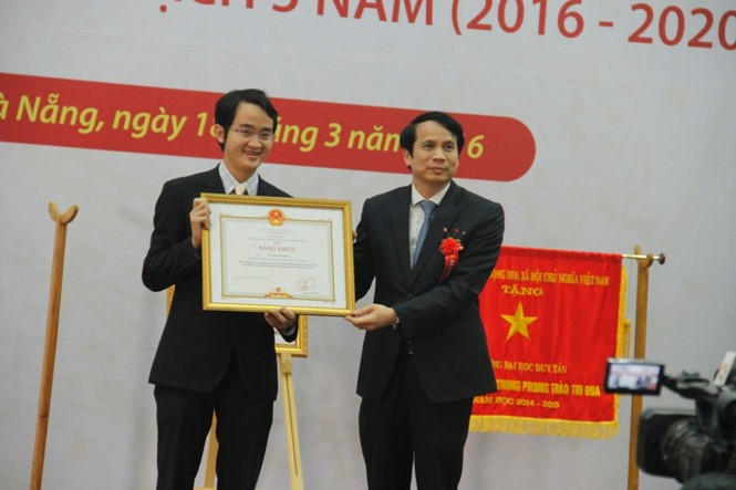 NGƯT Lê Công Cơ đón nhận danh hiệu 'Anh hùng lao động' - ảnh 2