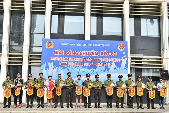 Đoàn Thanh niên các đơn vị thuộc Tổng Cục Chính trị CAND tranh tài thể thao - ảnh 1