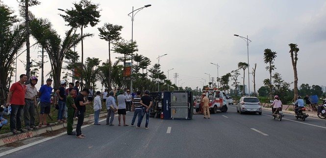 Tài xế lái ô tô Ford EcoSport gây tai nạn liên hoàn ở Hà Nội rồi bỏ chạy - ảnh 1
