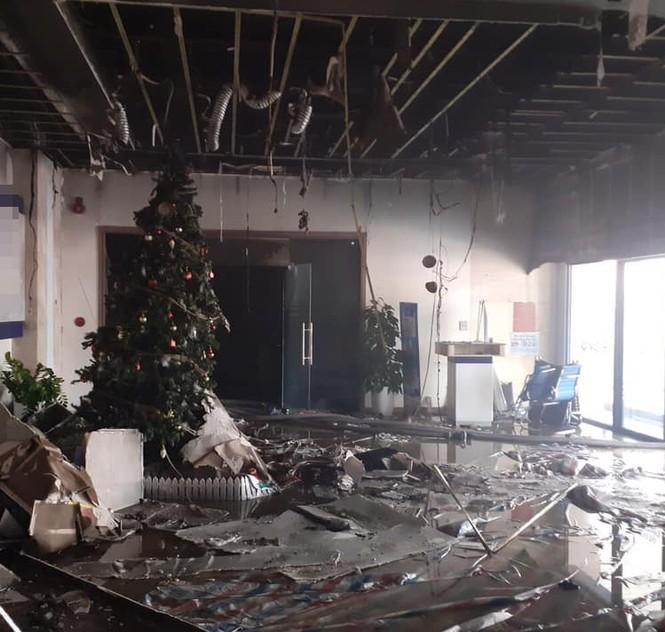 Cháy lớn tại chung cư trên đường Nguyễn Chí Thanh - ảnh 1