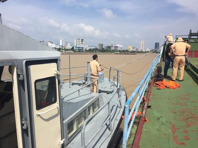 Thứ trưởng Bộ Công an chỉ đạo công tác phòng chống bão lũ tại miền Trung - ảnh 4