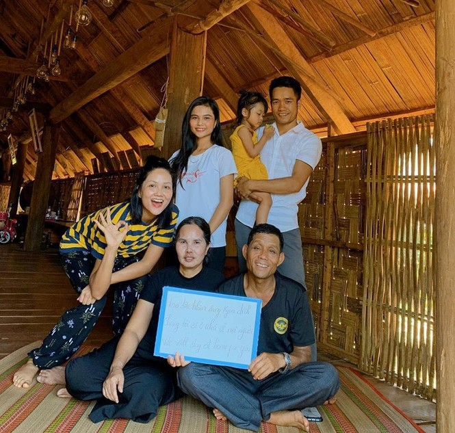 Sao Việt hưởng ứng phong trào #StayAtHome, kêu gọi mọi người cùng ở nhà phòng dịch - ảnh 5