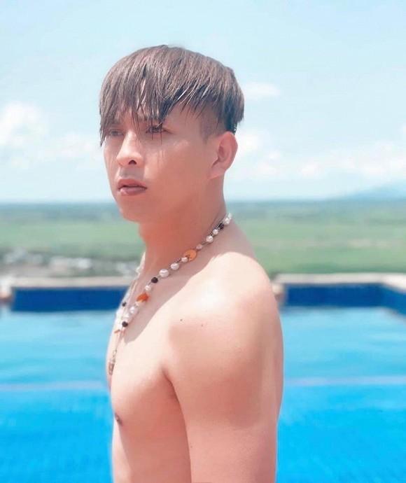 Showbiz 18/5: Lê Giang theo style Hiền Hồ, Hồng Nhung công khai bạn trai mới? - ảnh 7