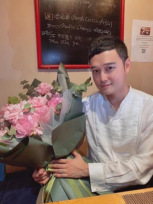 Showbiz 19/5: Quang Vinh đón tuổi 38, Vân Hugo được bạn trai cầu hôn - ảnh 7