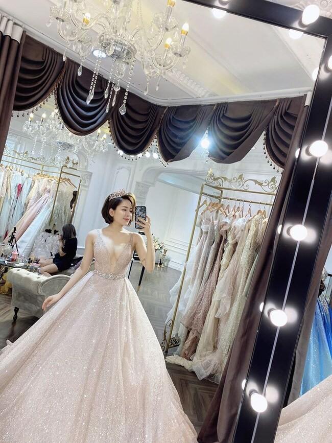 Showbiz 19/5: Quang Vinh đón tuổi 38, Vân Hugo được bạn trai cầu hôn - ảnh 8