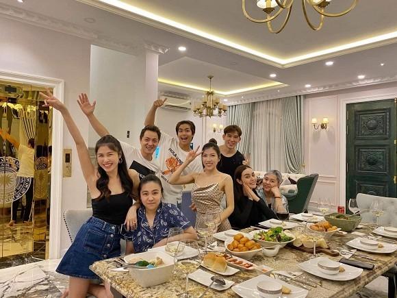 Showbiz 14/6: Hương Giang tậu xế hộp thứ 4 trị giá 5 tỷ - ảnh 13