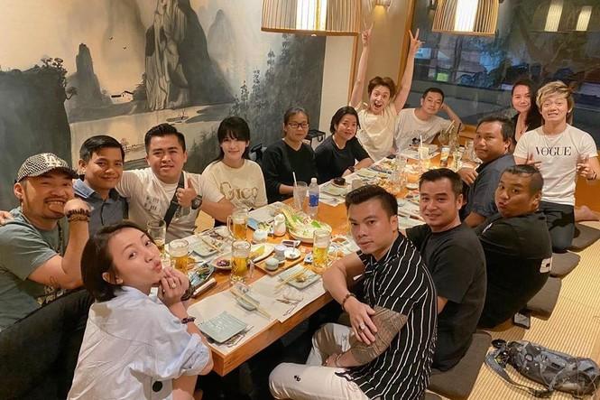 Showbiz 30/6: Hậu ly hôn, Bảo Ngọc vui vẻ bên gia đình, Hoài Lâm xuề xòa - ảnh 9