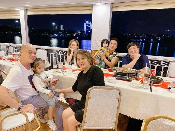 Showbiz 30/6: Hậu ly hôn, Bảo Ngọc vui vẻ bên gia đình, Hoài Lâm xuề xòa - ảnh 1
