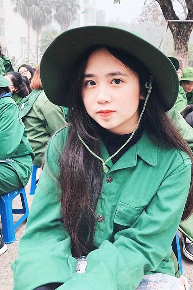 Sắc màu SV 6/7: Hé lộ nam thần 98 đứng sau MV của Sơn Tùng - ảnh 5