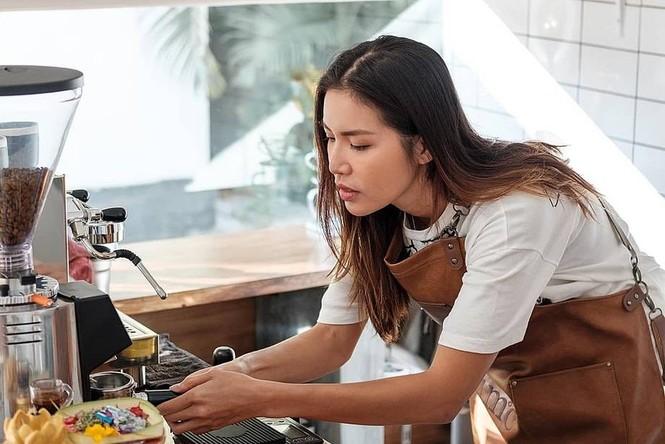 Showbiz 18/7: Lâm Khánh Chi đón tuổi mới, Trấn Thành - Chi Pu hợp tác dự án mới? - ảnh 9