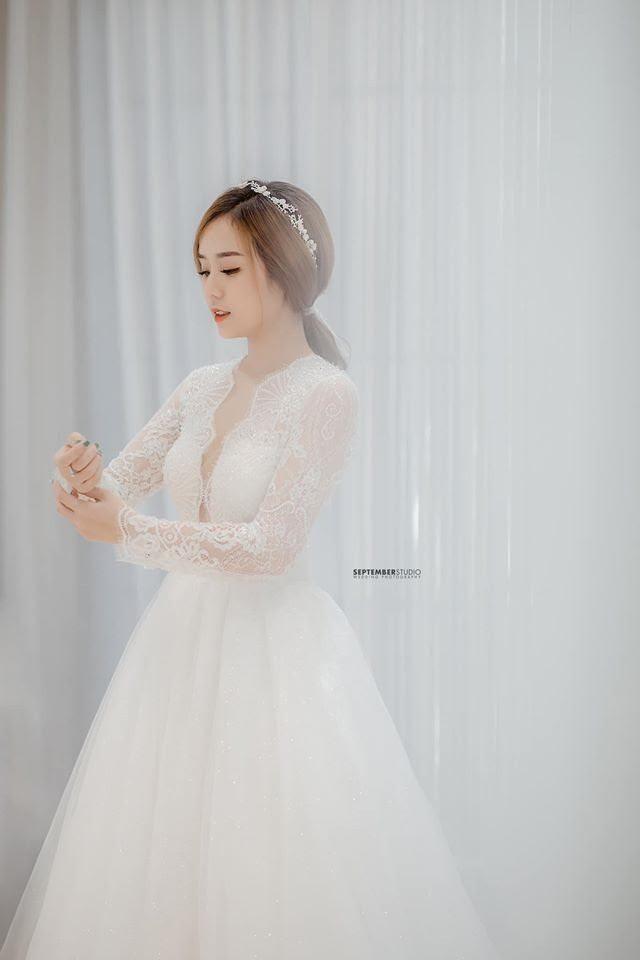 """Showbiz 20/7: Kim Lý xoa bụng bầu bạn gái, lần đầu xác nhận Hồ Ngọc Hà """"có tin vui"""" - ảnh 10"""