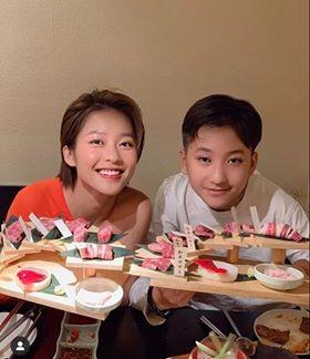 """Showbiz 20/7: Kim Lý xoa bụng bầu bạn gái, lần đầu xác nhận Hồ Ngọc Hà """"có tin vui"""" - ảnh 6"""