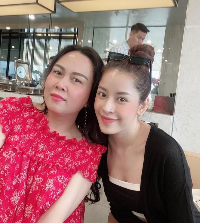Showbiz 27/7: Hoàng Thùy mặc bánh bèo gây tranh cãi, Kaity Nguyễn chủ động cách ly - ảnh 16