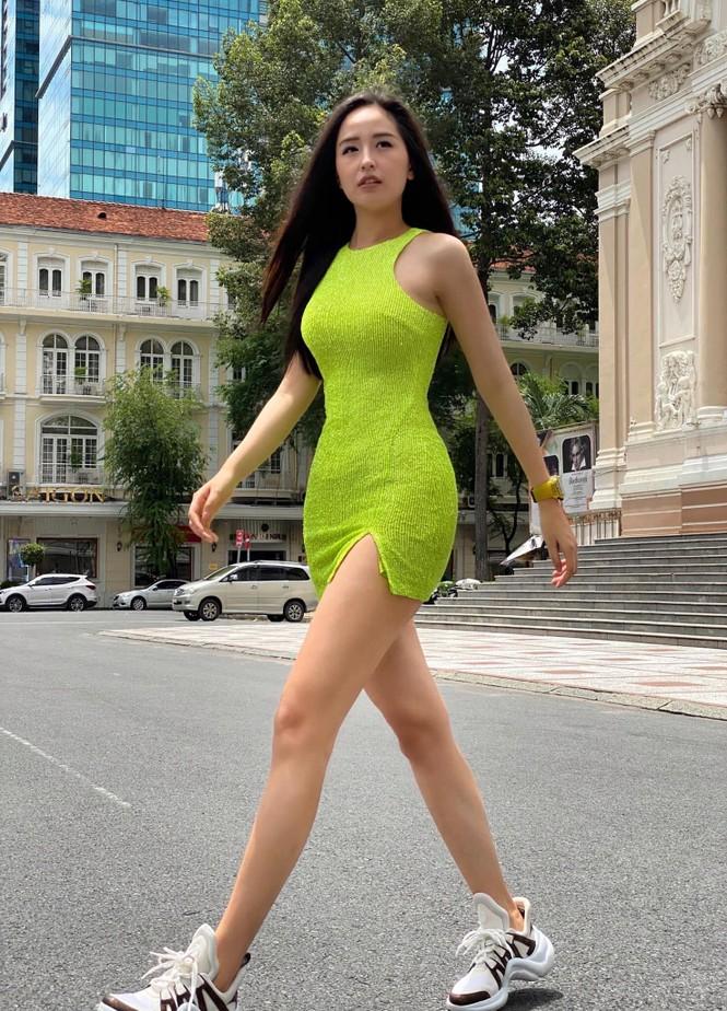 Hà Anh kỷ niệm 4 năm ngày cưới sau cách ly, Hương Giang khoe ảnh bikini nóng bỏng - ảnh 17