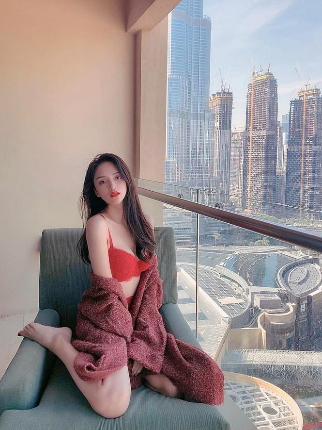 Hà Anh kỷ niệm 4 năm ngày cưới sau cách ly, Hương Giang khoe ảnh bikini nóng bỏng - ảnh 6