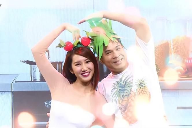 Trường Giang phủ sóng nhiều game show, Thanh Hằng diện vest không nội y - ảnh 16