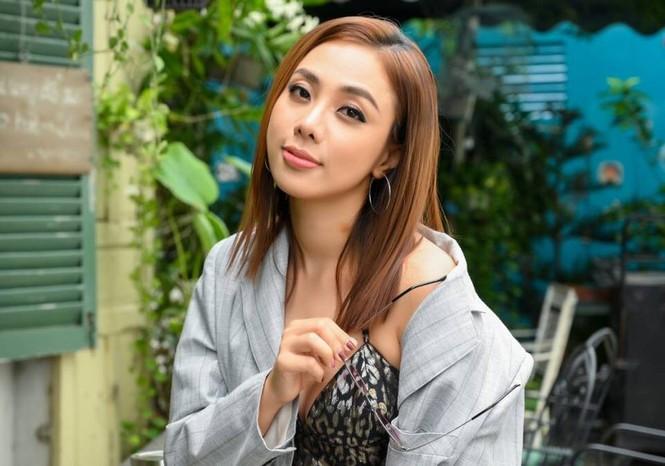 Trường Giang phủ sóng nhiều game show, Thanh Hằng diện vest không nội y - ảnh 2