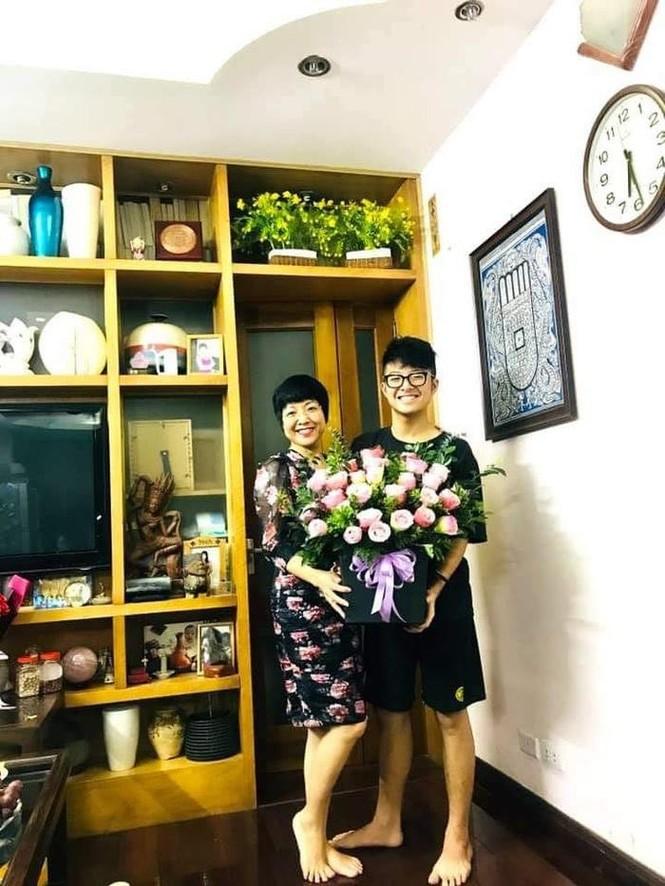 Lã Thanh Huyền đổi kiểu tóc dịu dàng nữ tính, Cao Thái Sơn bất ngờ đăng status tiêu cực - ảnh 8