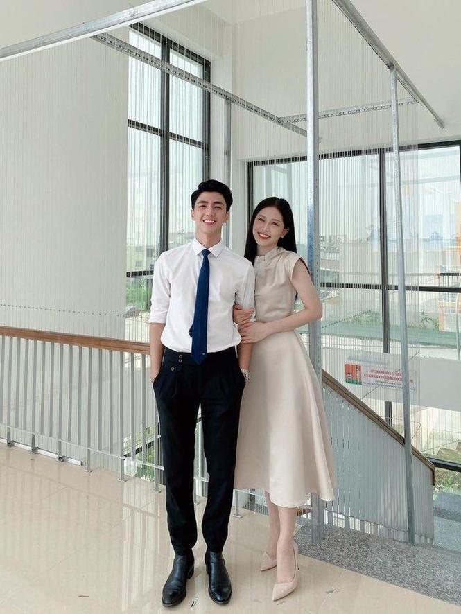 Hari Won, Nhật Kim Anh hạnh phúc bên mẹ, Angela Phương Trinh diện áo dài tại lễ Vu Lan - ảnh 4