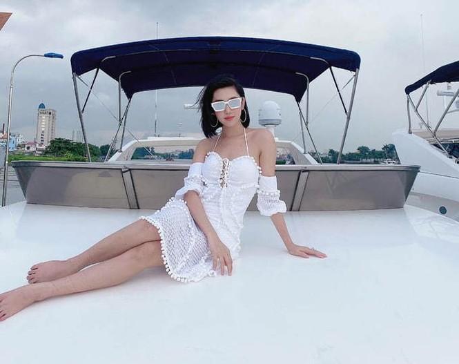 Sao Việt thi nhau chọn du thuyền để xả hơi, Hiếu Hiền bức xúc phủ nhận tin đồn cát-xê - ảnh 14