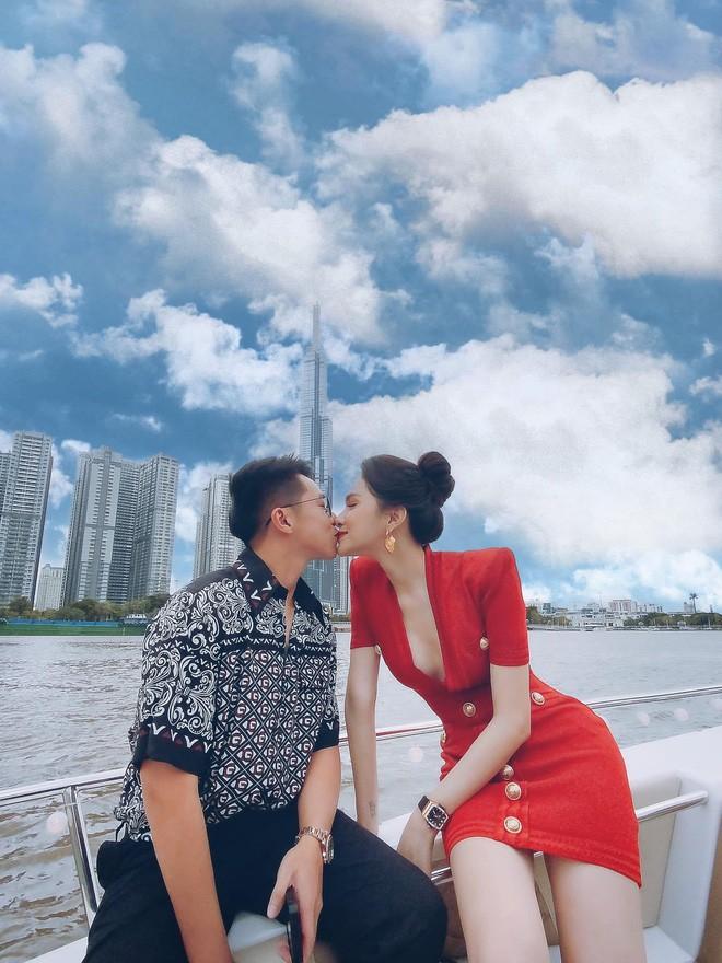 """Hương Giang """"tình tứ"""" trên du thuyền cùng bạn trai - ảnh 8"""