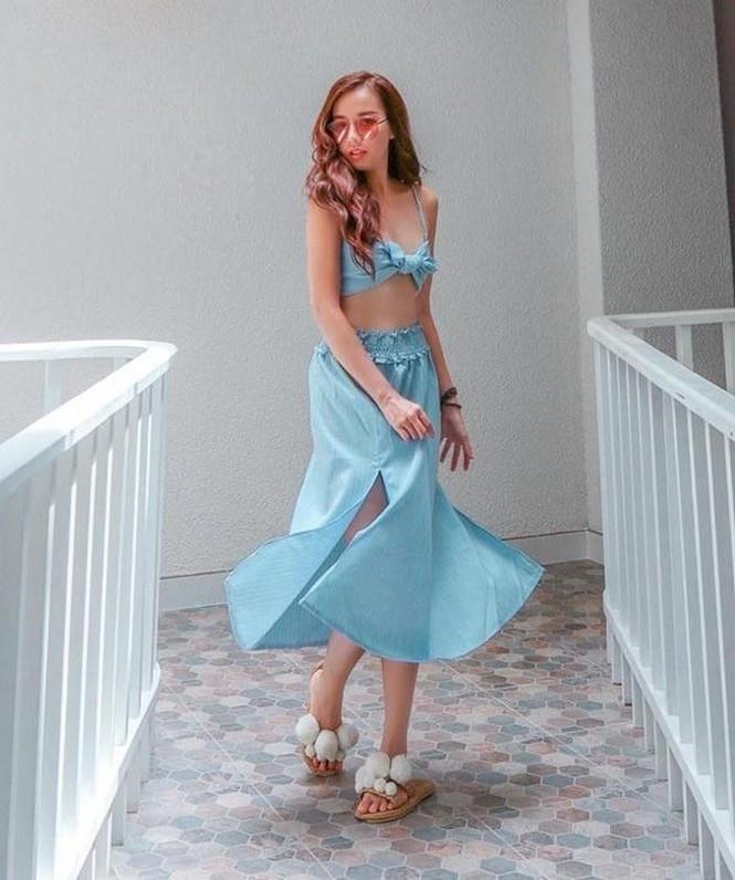 Thủy Tiên bị ông xã ngó lơ khi biển diễn, Angela Phương Trinh bất ngờ diện váy gợi cảm - ảnh 1